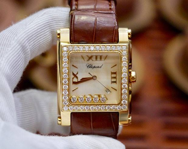 Chopard Happy Sport Square XL 18K Yellow Gold New 98%