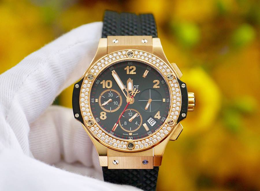 Hublot BigBang Rose Gold Bezel...