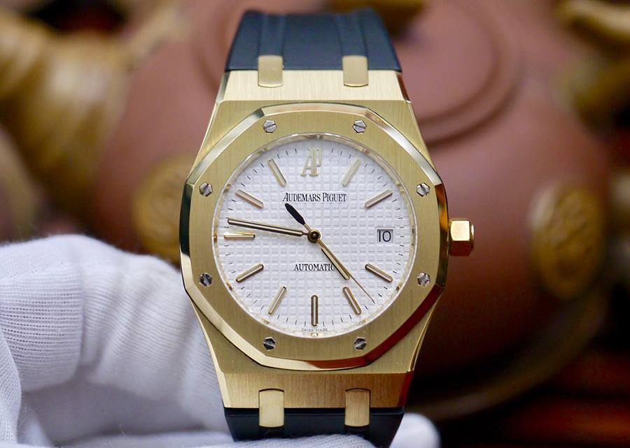 Audemars Piguet Royal Oak 18K Gold 39mm New 98%